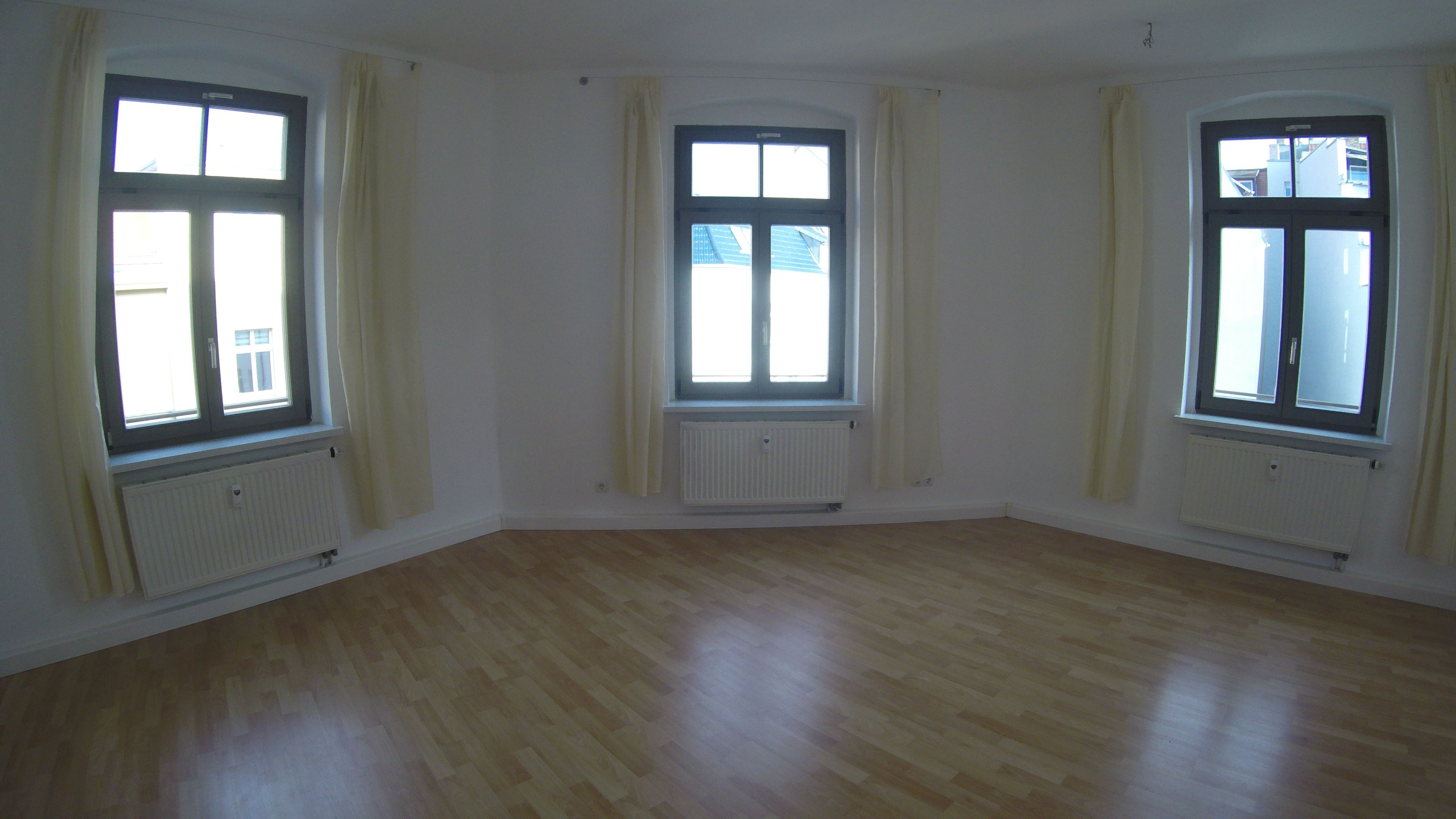 Eichendorfstrasse 3 Zimmer Saniert Im 2 Og Mitte Wannenbad Mit Fenster Diele Mit Garderobenbereich Wohnzimmer Ist Durchgangszimmer Zum 2 Schlafz Pinterest