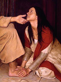 una mujer unge los pies de Cristo | Imagen de cristo, Rostro de ...