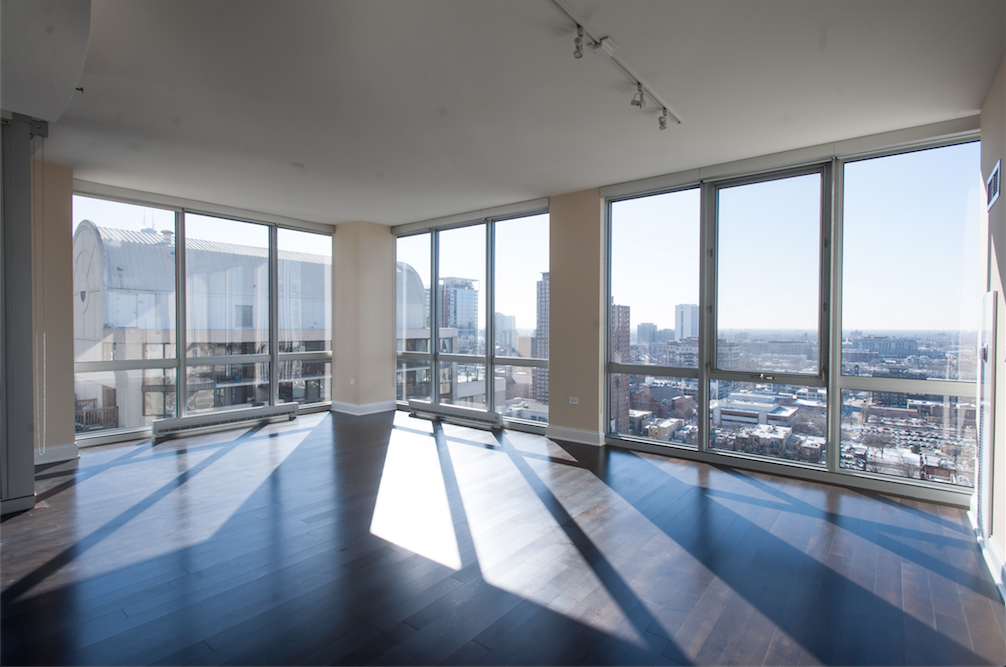 2 W Delaware Pl Chicago Il 60610 In 2019 Chicago Apartment Apartment Sites Bohemian Living Rooms