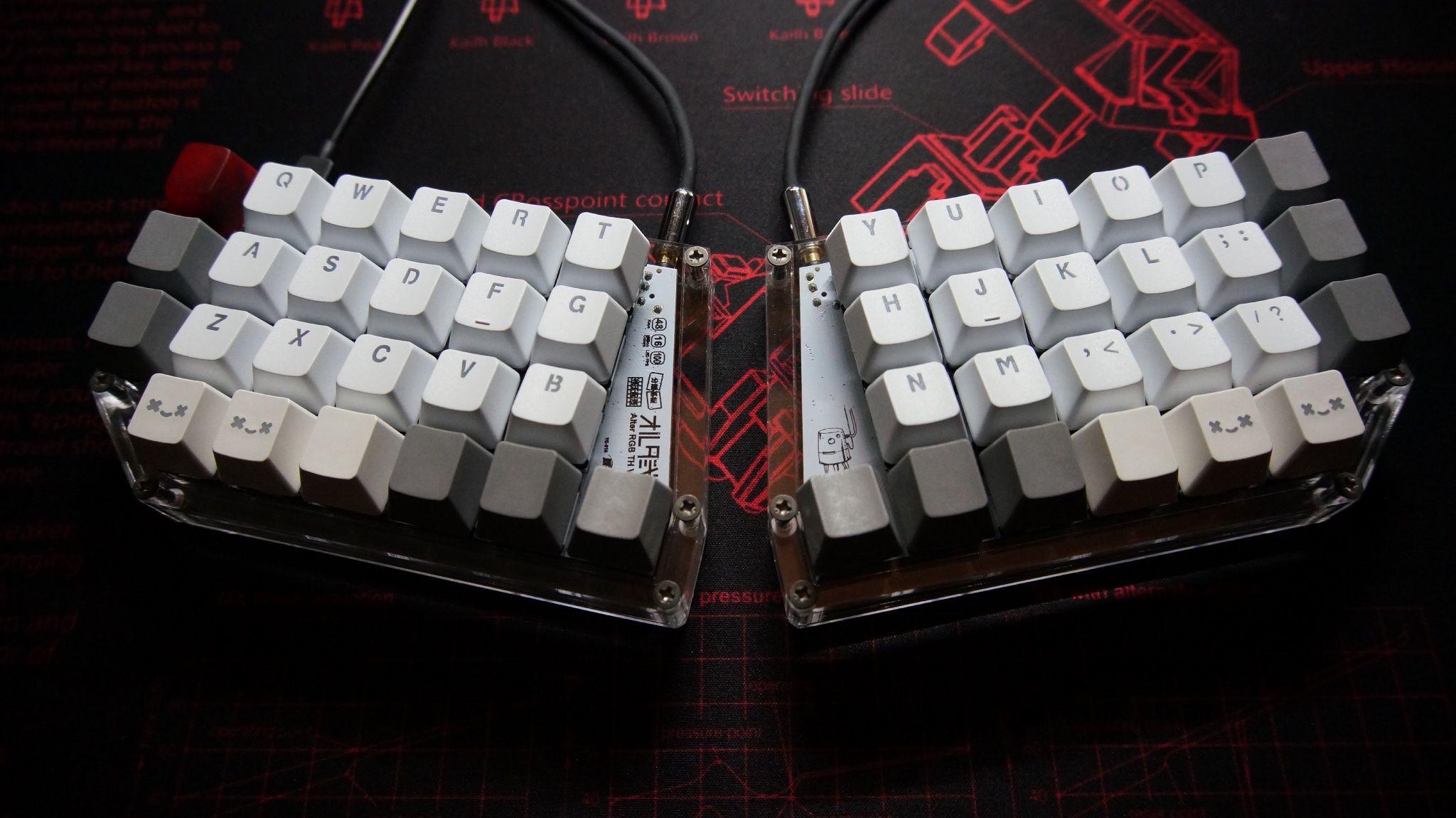 Alter Rgb Album On Imgur Keyboard Pc Keyboard Computer Hardware