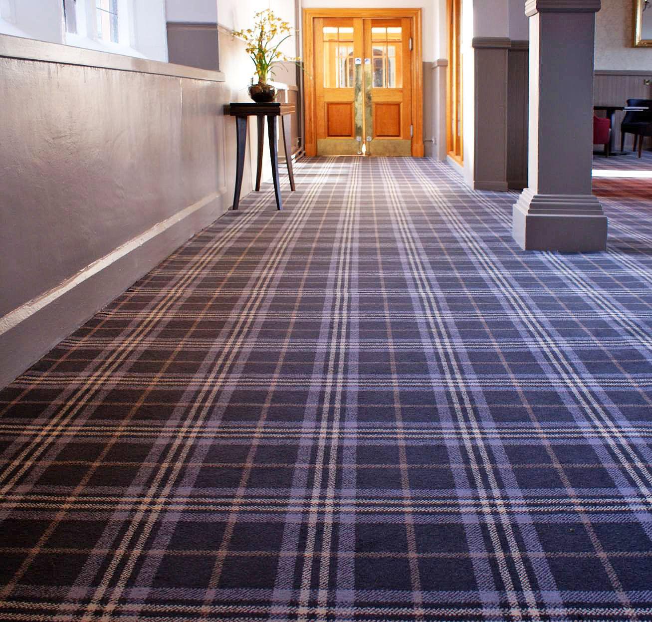 Hotel Decor Tartan Carpet Interior Design Stirling Scotland Flooring Design Traditional Style Bar Decor R Buying Carpet Stair Runner Carpet Hotel Carpet