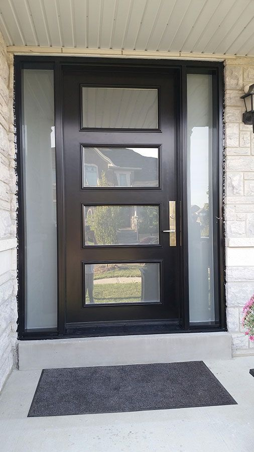 Modern Exterior Door With Multi Point Locks 4 Door Lites And 2 Side Lites Installed In Toronto By Modern Doors Ev Icin Kapilar Bina