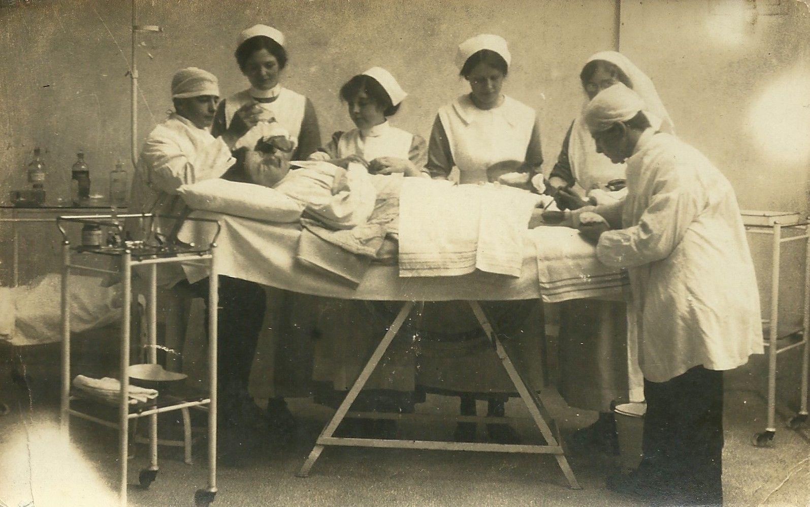Surgery 1906 Vintage nurse, Vintage medical, Medical history