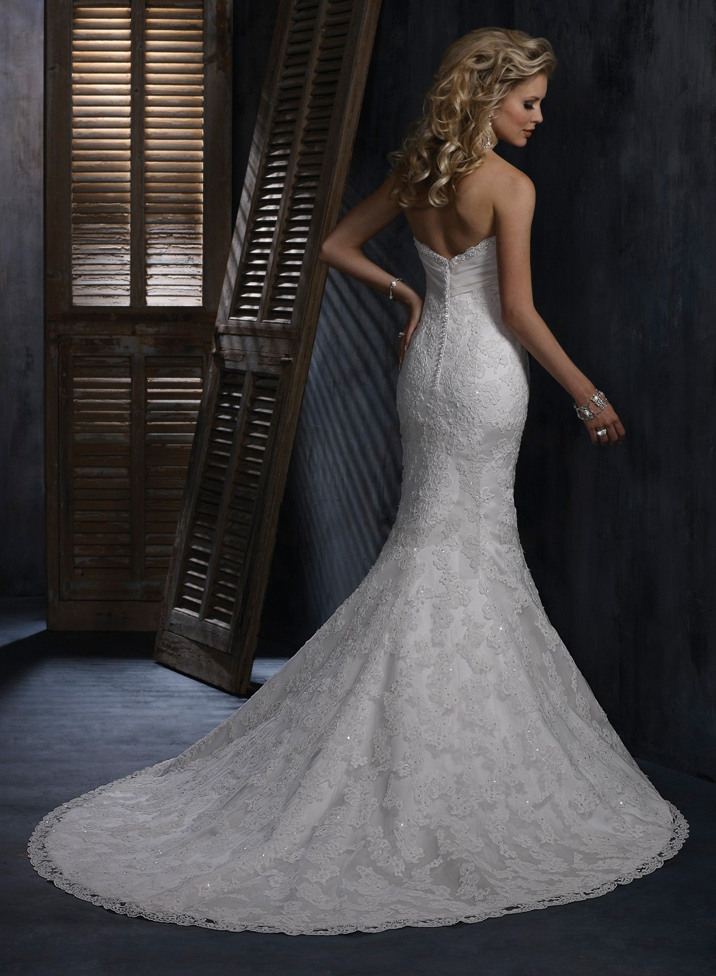 Organza strapless sweetheart neckline fit and flare for Tight fitted mermaid wedding dresses