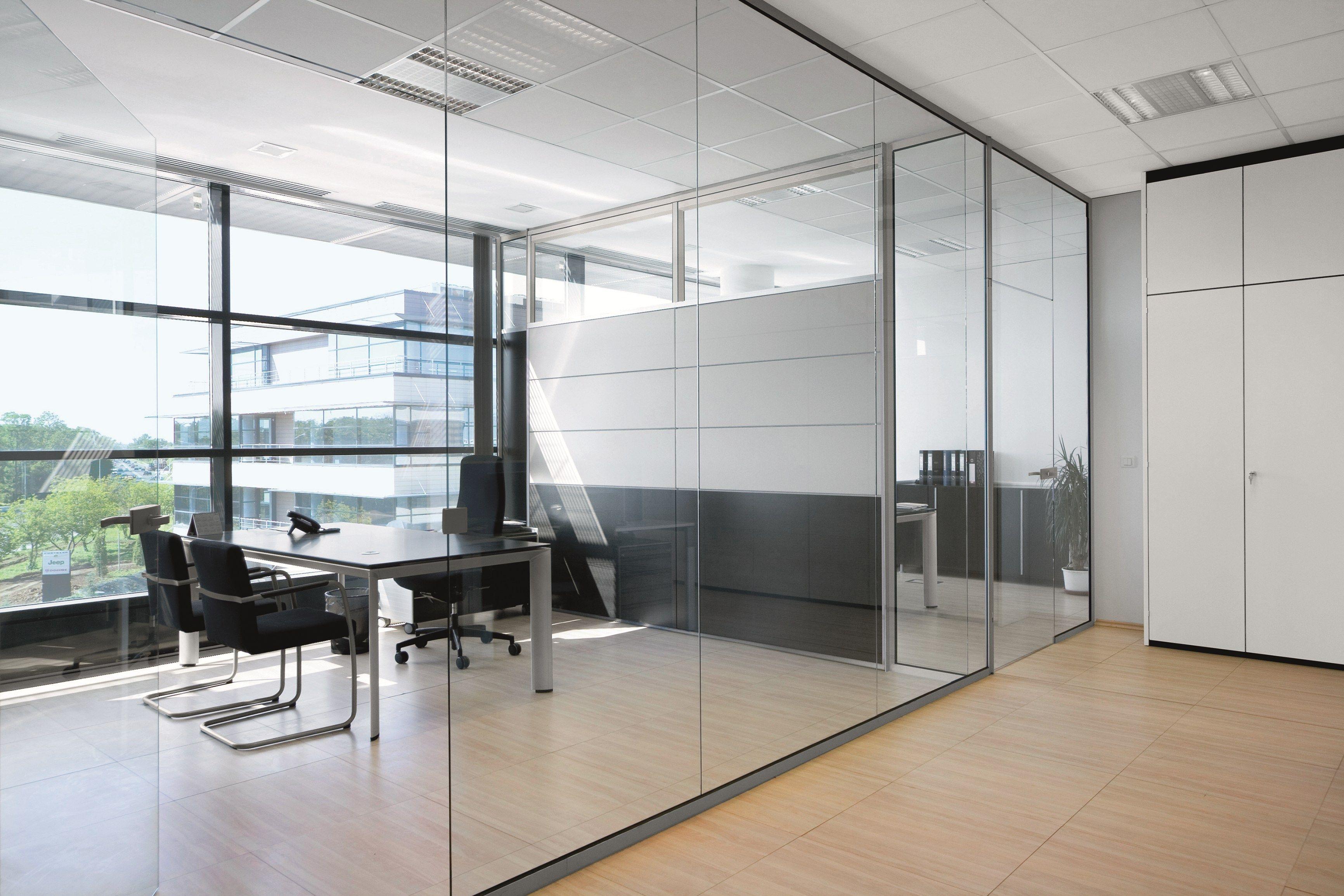 cloison amovible de bureau en verre cloison amovible vitre. Black Bedroom Furniture Sets. Home Design Ideas