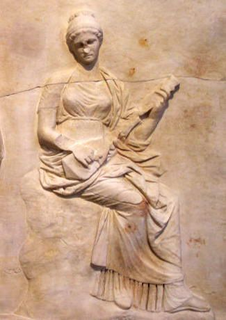 Classical Greek figure with a pandouras, 5thCentury BC