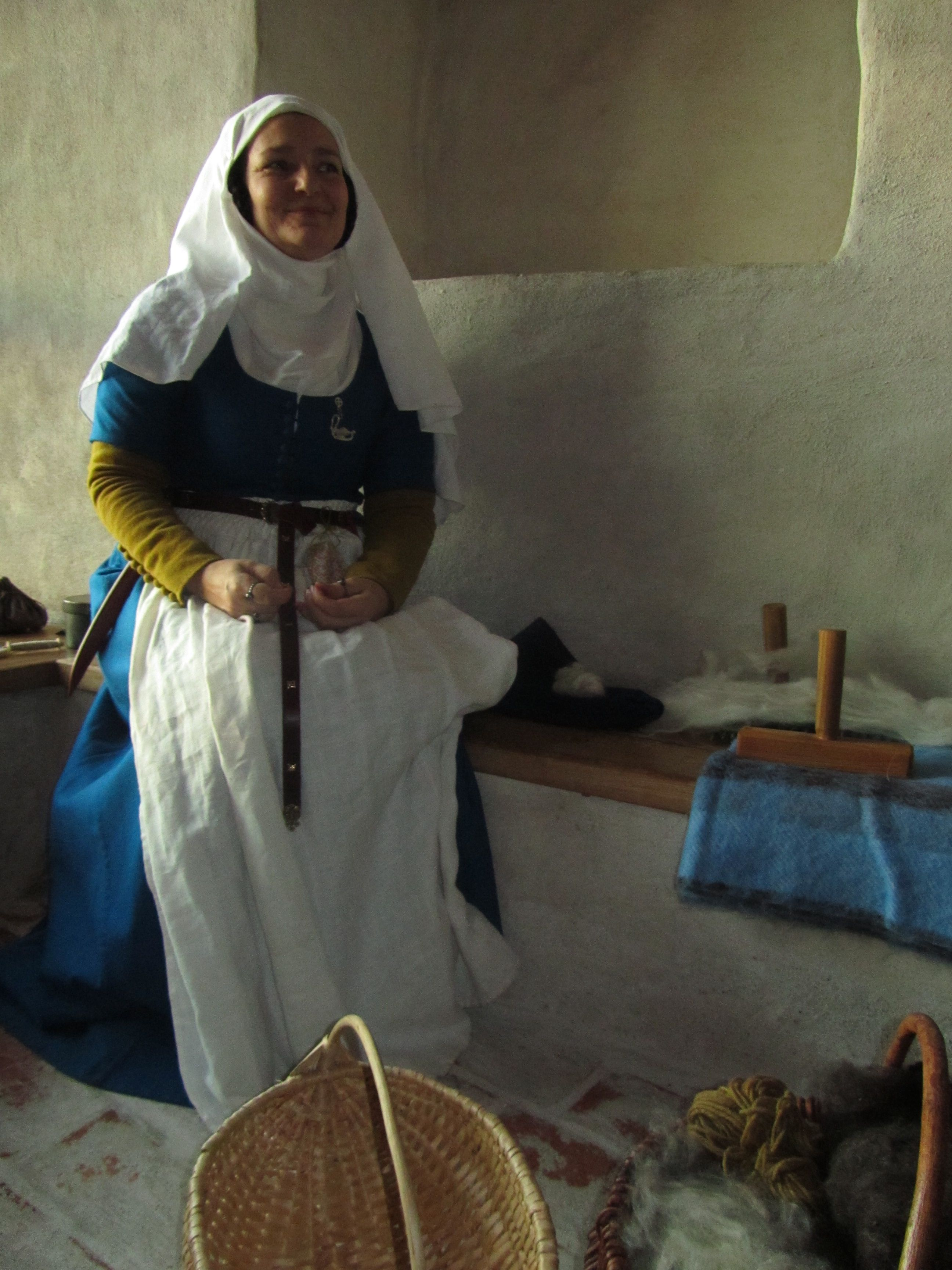 Vaatteita | Clothing | Swan River Crafts