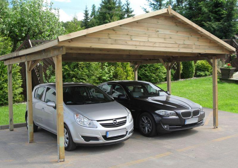 Carport Aus Dunklem Holz Ein Carport Bedeutet Schutz Fur Das Auto Auch Hier Kann Ein Schuppen Oder Ein Dachboden Integri Carports Carport Holz Carport Bauen