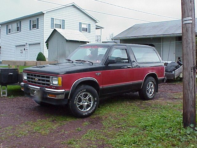 1985 Chevy S10 Blazer My Mom Drove The Wheels Off Of Hers I Had It For A Summer Chevrolet S 10 Chevy S10 S10 Blazer