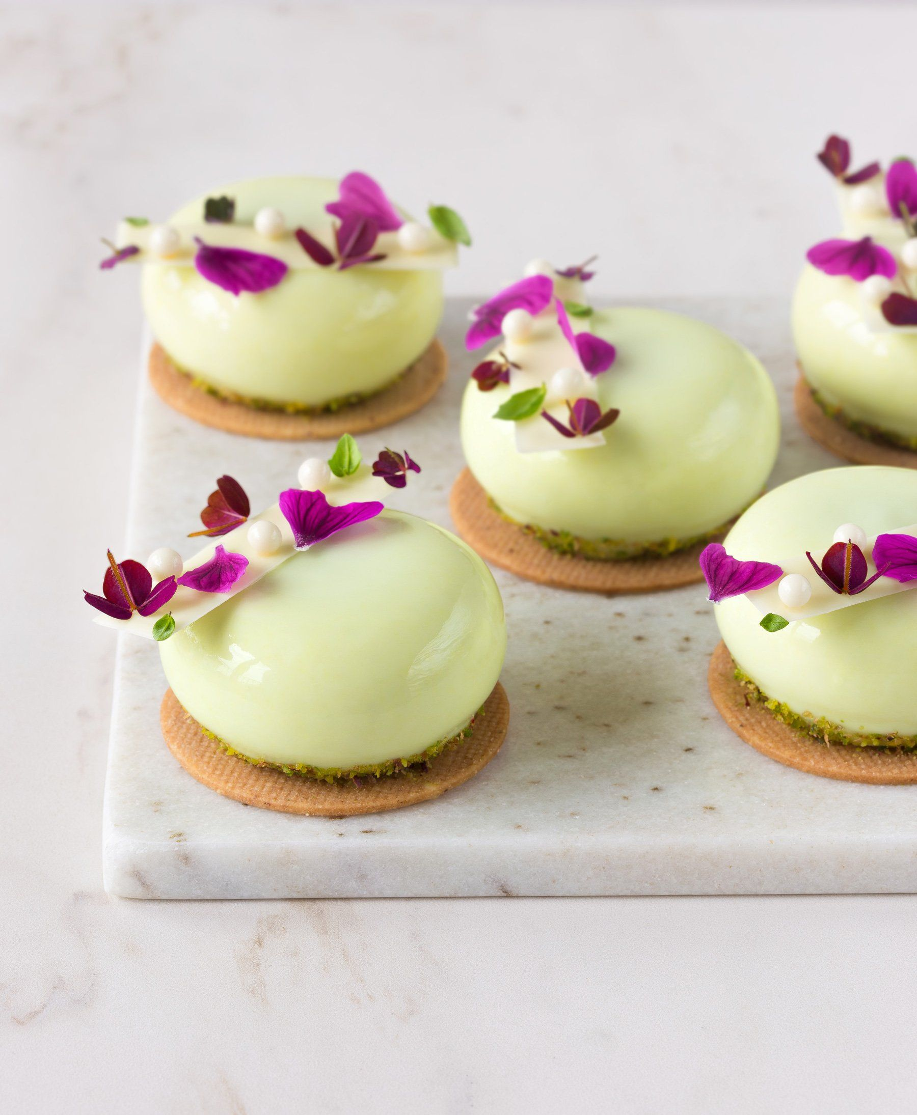 Photo of Pineapple, basil, lime and white chocolate mini mousse – In Love With Cake