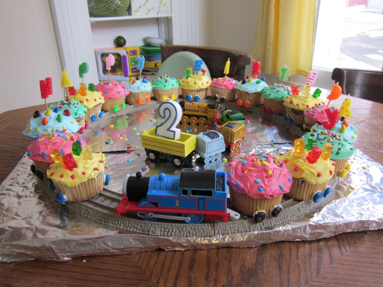 My Lucan 39 S 2nd Birthday Train Cupcakes Cupcakes Pinterest Train Cup