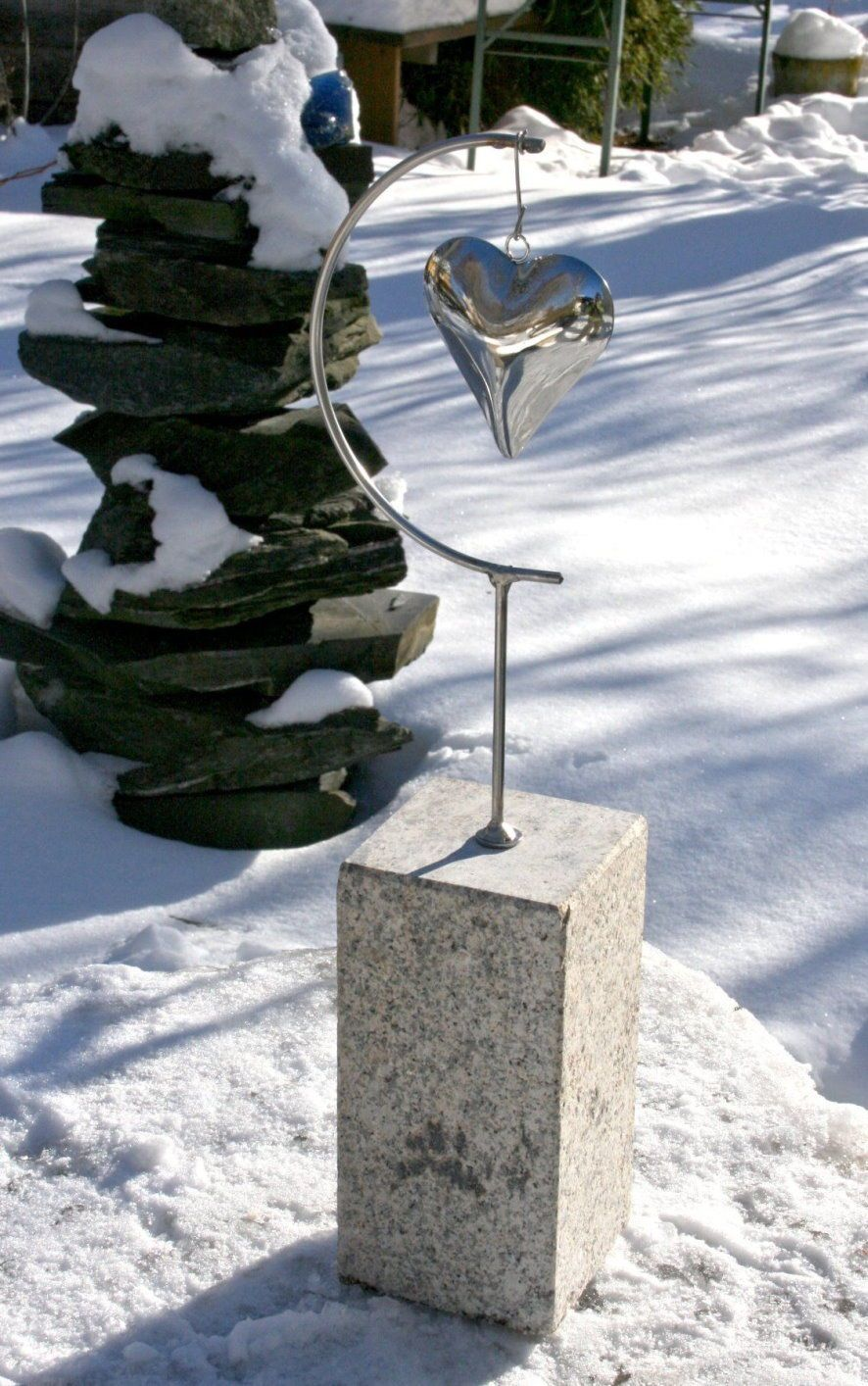Granits ule 4 herz edelstahl stein windspiel stele garten for Windspiel edelstahl garten