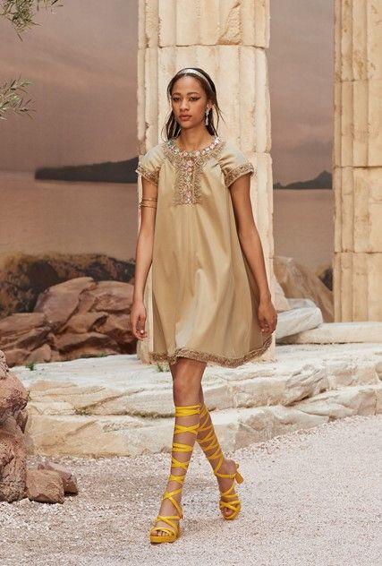 c7ee4a0d3ae72 As deusas gregas da Chanel - Desfiles - Máxima