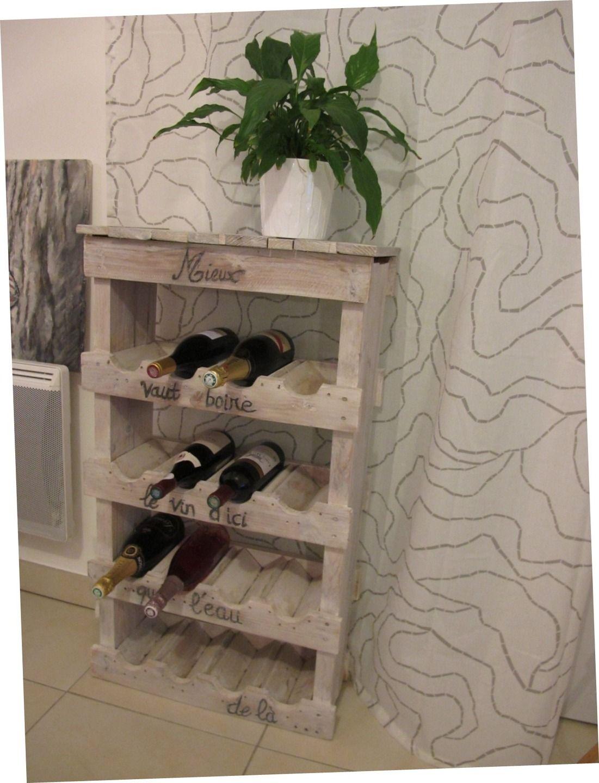armoire bouteilles en bois patin e blanc base de palette meuble d co meubles et. Black Bedroom Furniture Sets. Home Design Ideas