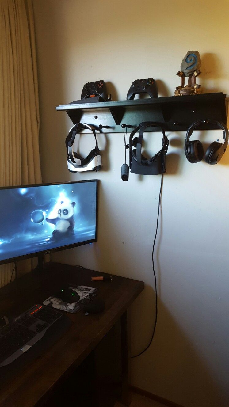 Entry Shelf Becomes Storage Rack For Vr Headsets Oculus Rift And