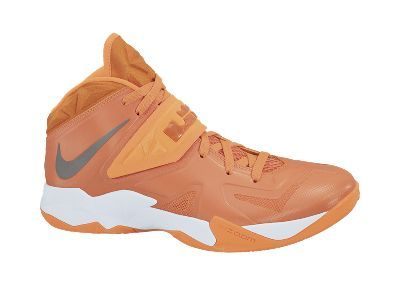 To clean Nike Zoom Soldier VII (Team) Men s Basketball Shoe -  125 Should I 029ee64b3