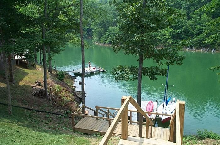 Tennessee Douglas Lake Vacation Rental Home In Sevierville Tn 37876 Trillium 2 Bedroom Lakefront Smoky Lake Vacation Lake Vacation Rental Lake House Rentals
