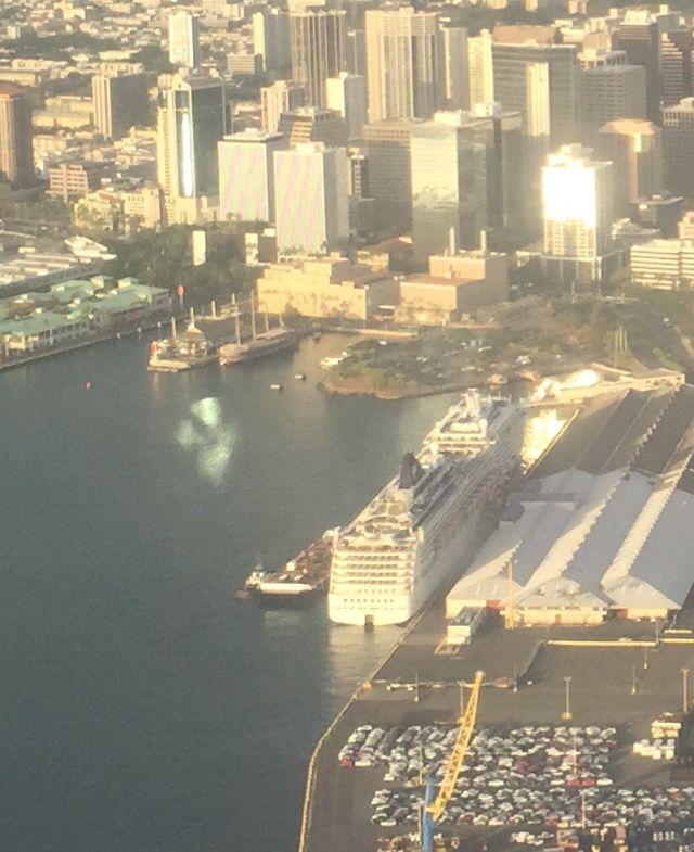 Port Of Honolulu >> The Norwegian Pride Of America Preparing To Embark From Port In