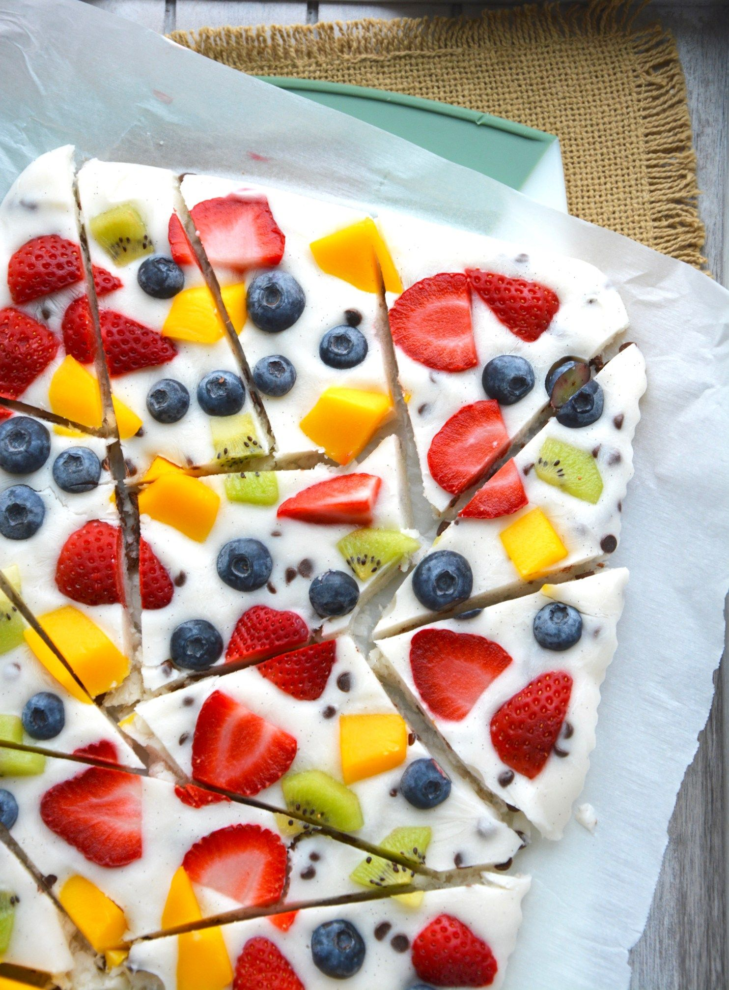 greek yogurt fruit bark - Hungry Happens