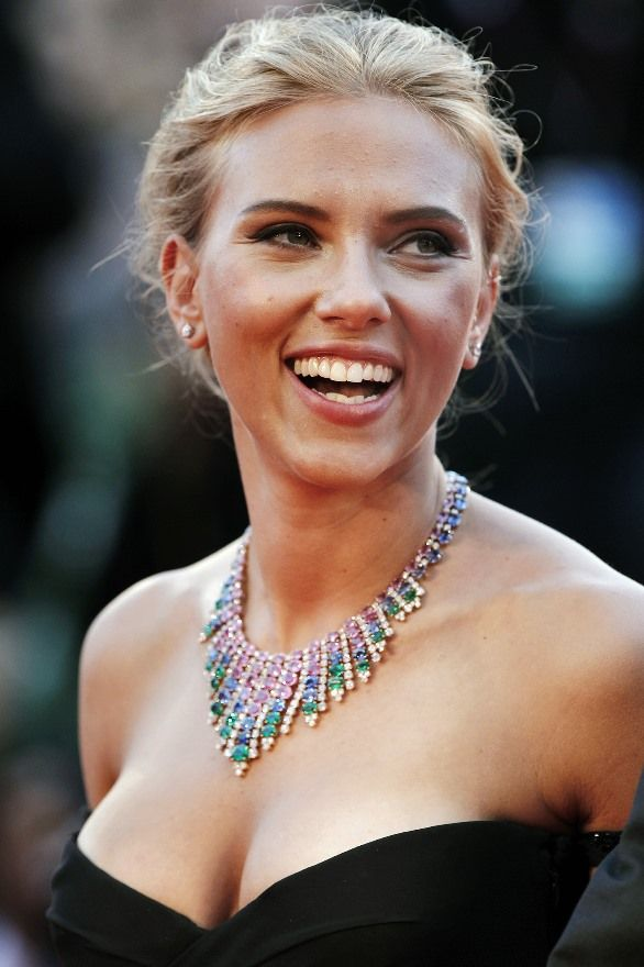 scarlett johansson engaged to - photo #13