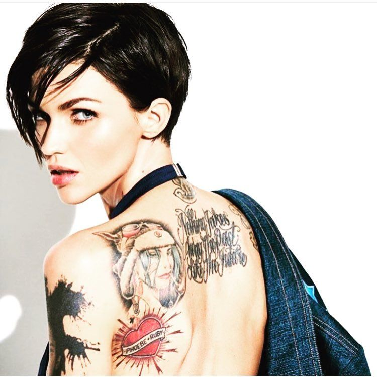 392 Me Gusta 14 Comentarios Short Hair قصات شعر قصير Shorthair 999 En Instagram Ruby Rose Tattoo Ruby Rose Hair Ruby Rose Haircut