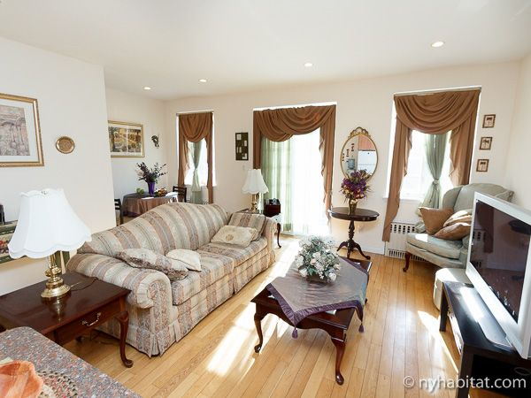 What could be more delightful than relaxing into a plush couch after a long day? Visit with casual #city style in this 2 #Bedroom #furnished #rental #apartment in #NewYork.