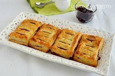 Le sfogliatine alla marmellata sono dei deliziosi dolci di pasta sfoglia facilissimi e velocissimi da preparare. Potete farcirle con la marmellata o la confettura che più vi Continua a leggere: