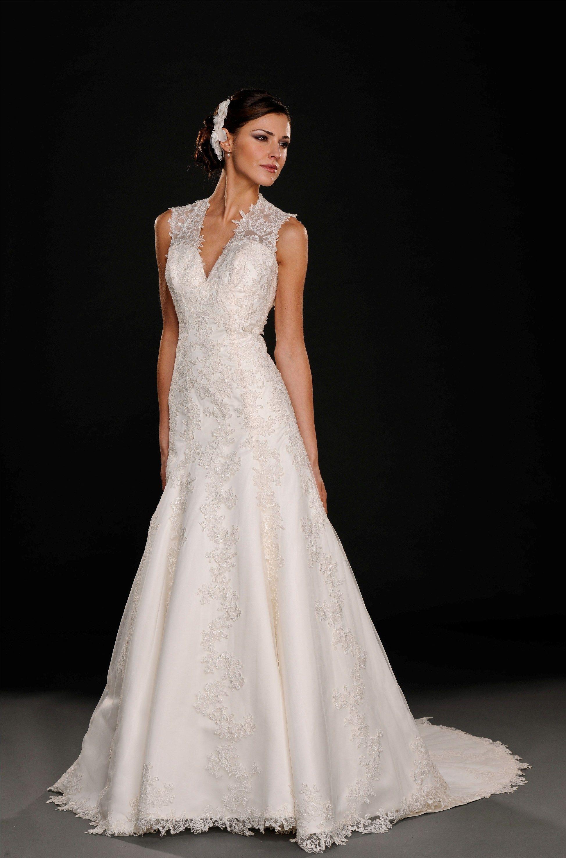 Young Bride Dresses | Wedding Gallery