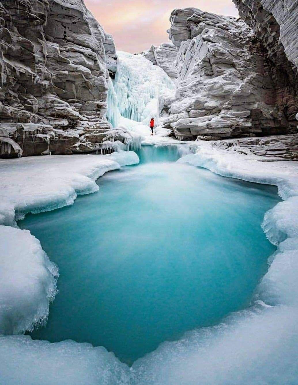 صور كندااكتشف كندا اجمل بلد في العالمشاهد صور الطبيعة الخلابة المناظر الجدابة البنايات الشاهقة تعرف على ف Canada Travel Winter Scenery Banff National Park