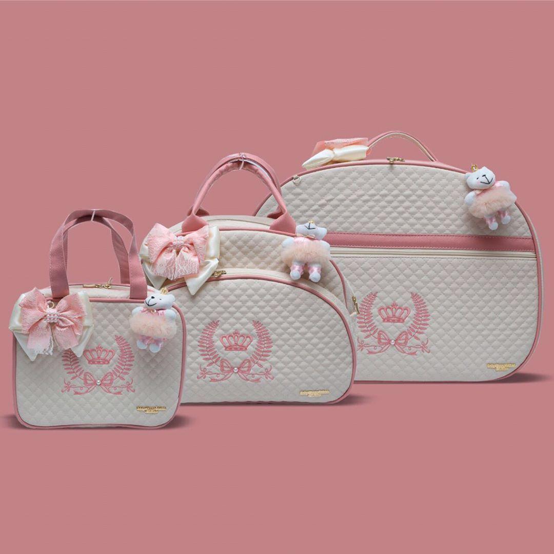 2f9f968f0 A junção entre pérola e rosa chá foi certeira . Bolsas maternidade  personalizadas de alto padrão para você aproveitar cada momento ainda mais  feliz ...