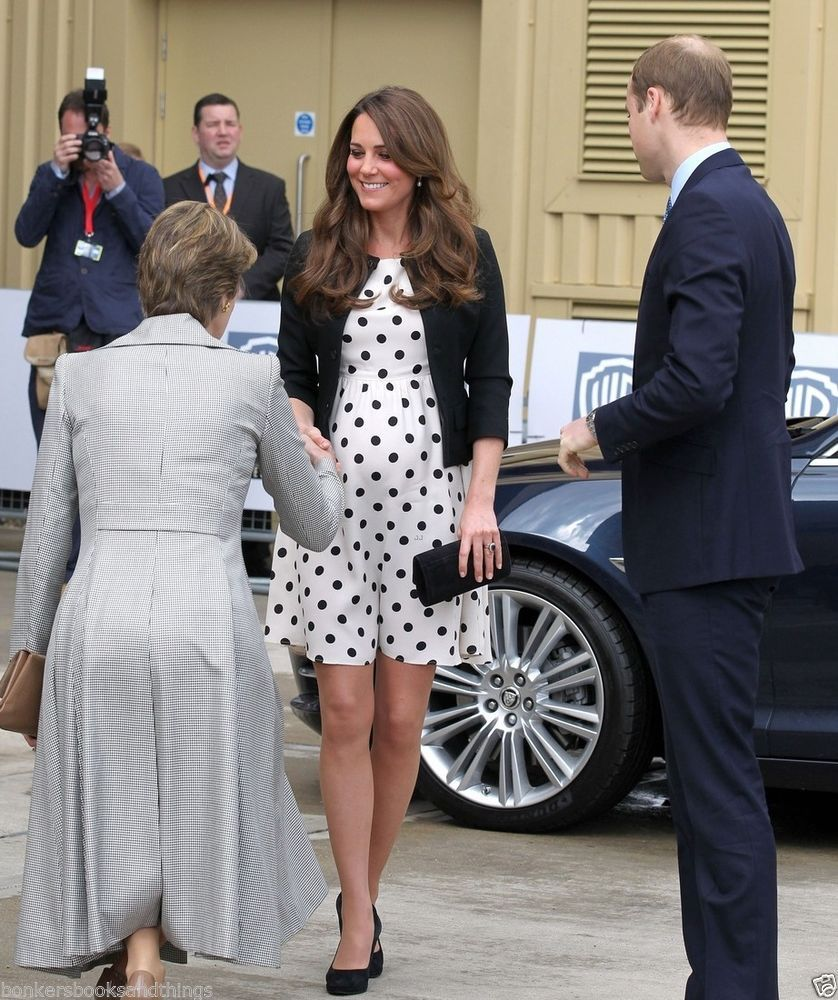 Gorgeous kate middleton with baby bump 5 x 7 royalty gorgeous kate middleton with baby bump 5 x 7 ombrellifo Image collections