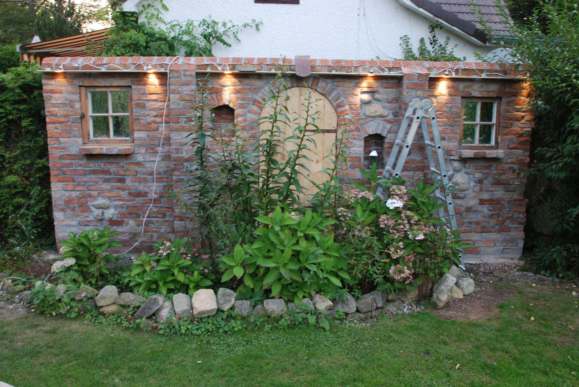 ziermauer beleuchtungseinbau ziermauer sichtschutz pinterest ruinenmauer g rten und. Black Bedroom Furniture Sets. Home Design Ideas