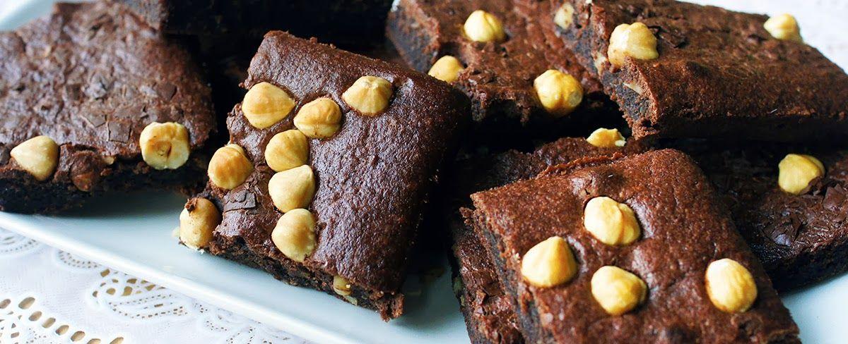 Gewoon wat een studentje 's avonds eet: Brownies op zondag - Met hazelnoot en banaan