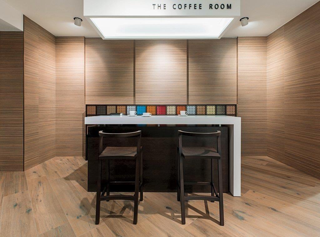 Badkamer Showroom Capelle : Houtlook tegels voor in de woonkamer badkamer of toilet; lingen