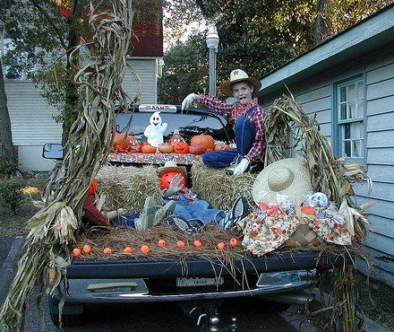 trunk or treat idea - Modern Homes Interior Design and Decorating - how to decorate your car for halloween