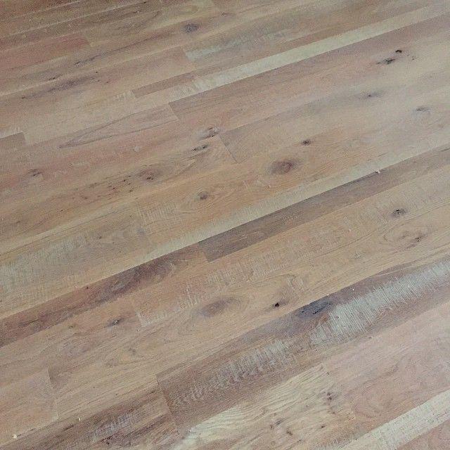 Knotty White Oak Floors