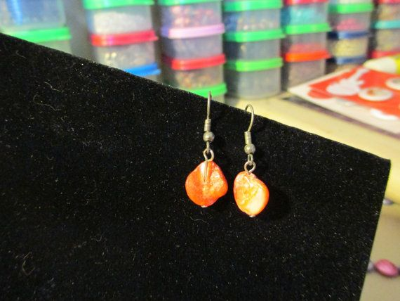Simple Shell by jsdd on Etsy, $7.00