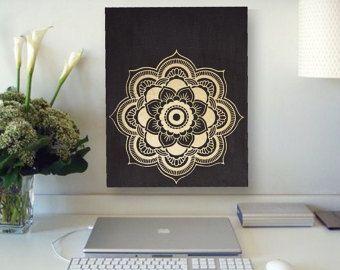 Mandala negro y oro pintura de la lona por MuseArtwork en Etsy