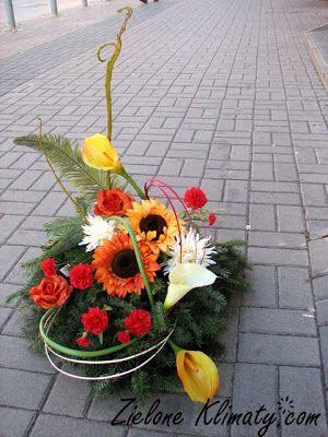 Zielone Klimaty Kwiaty Lublin Stroiki I Wiazanki Na Grob Table Decorations Decor Plants