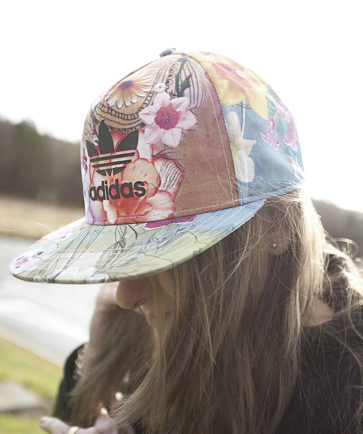 e14a6e4a18c95 Floral snapbacks   Spring  Summer essentials. Adidas Snapback