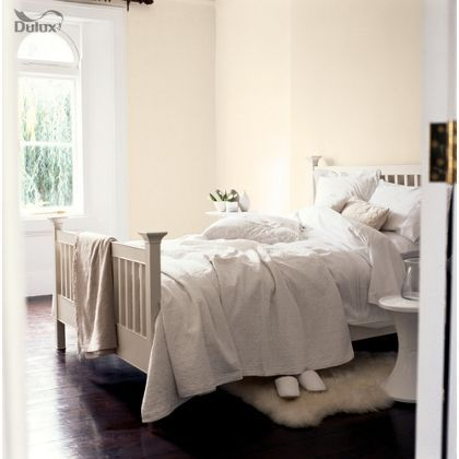Dulux Standard Orchid White