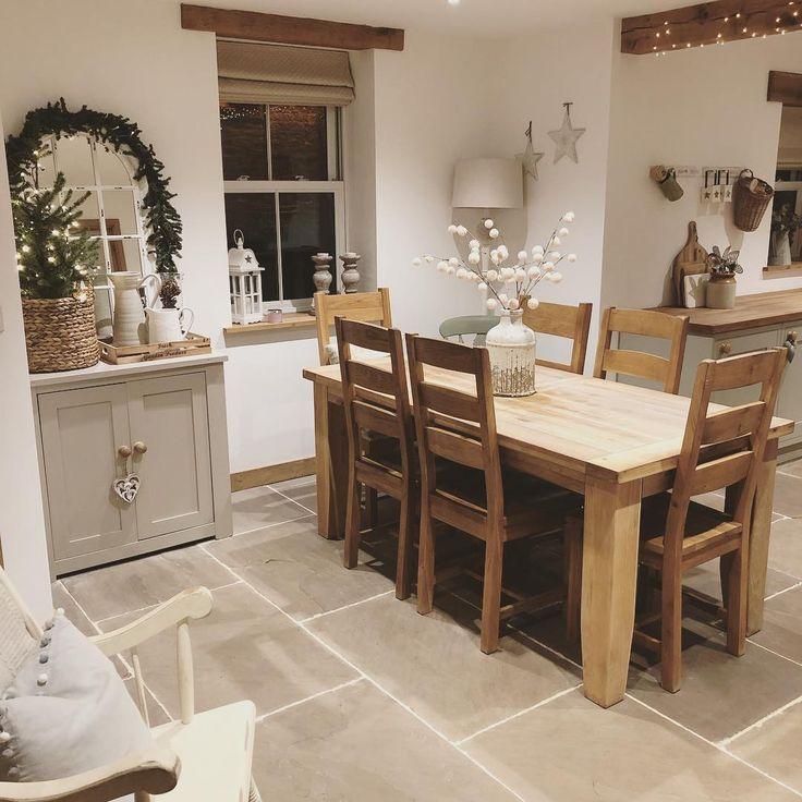 limage contient peutêtre table et intérieur  farmhouse
