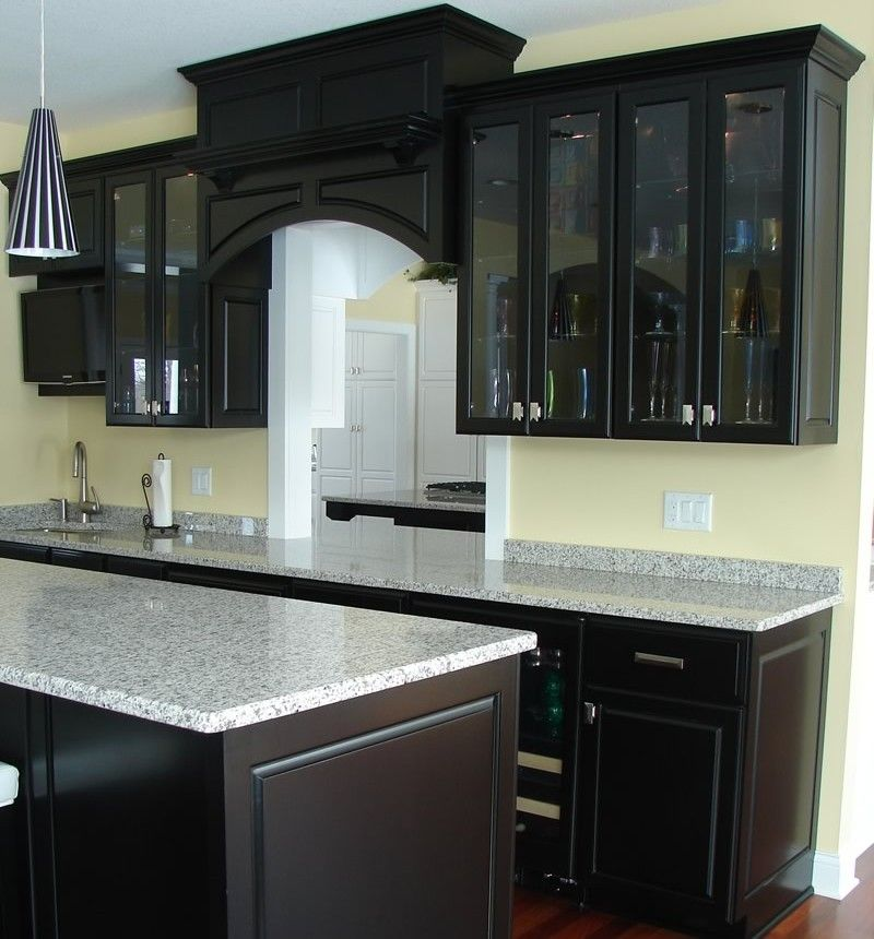 Black Kitchen Cabinets Paint Color: Kitchen Color Schemes