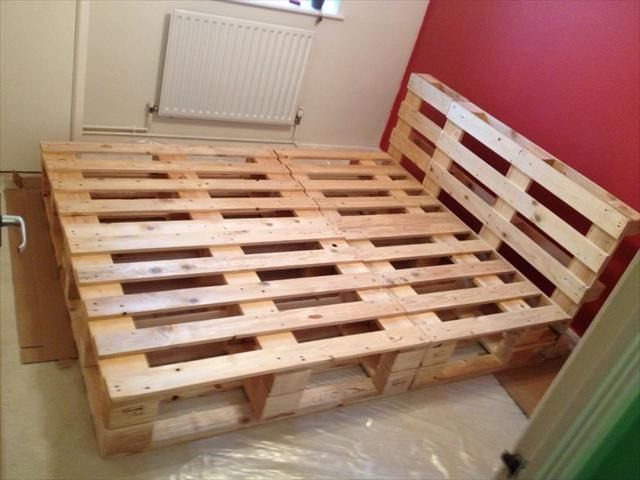 Beautiful DIY Pallet Bed | Diy pallet bed, Pallet bed frames and Bed ...