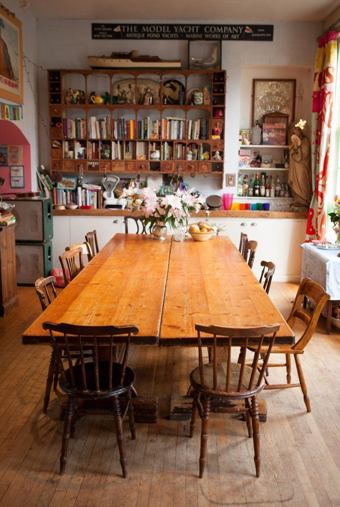 Photo of La casa inglese colorata e stravagante di Caro & Josh
