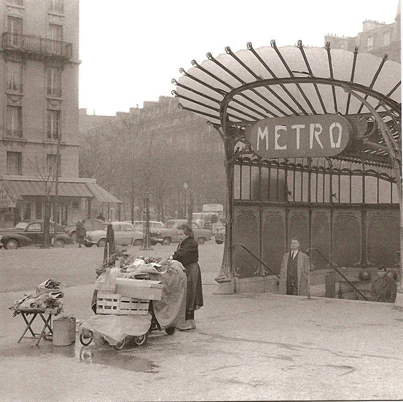 Paris. le métro parisien. 1950