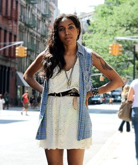 Street Style: A Perfect '90s Look We're Loving Now #Refinery29