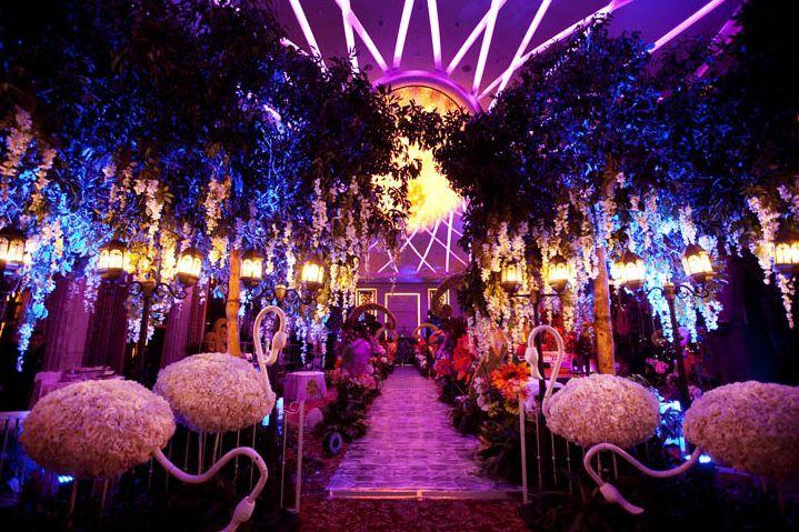 Alice In Wonderland Prom Theme Ideas On Pinterest Alice In Wonderland Wedding Theme Alice In Wonderland Wedding Alice In Wonderland Wedding Theme