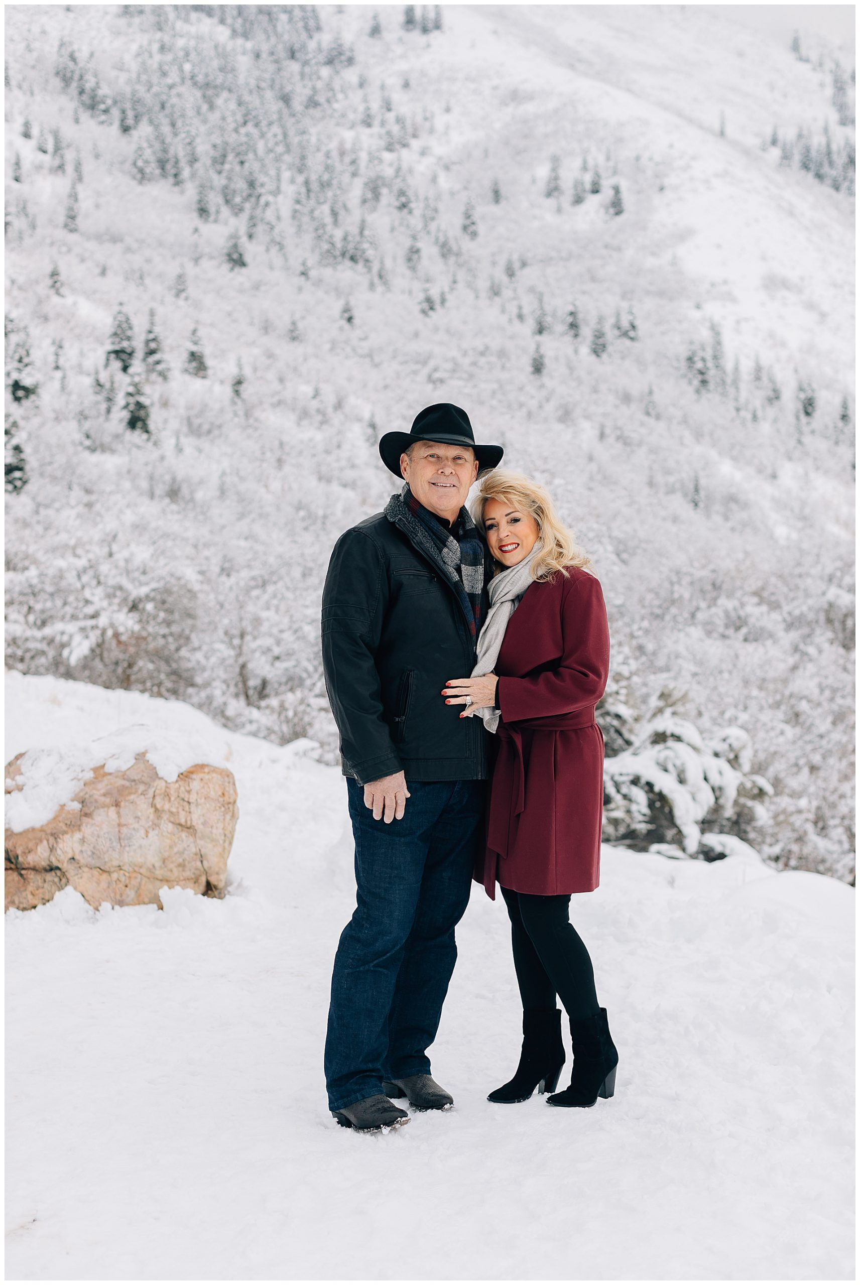 Winter Family Pictures at Neff's Canyon | Blosch Family -