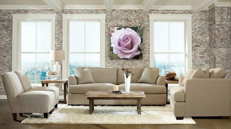Salotto arredato in stile elegante e moderno con divano e poltrone